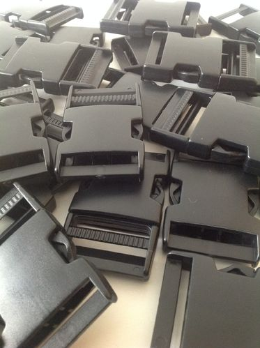 40mm Black Plastic Side Release Buckles x 50